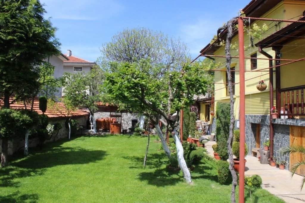 къща за гости релакс двор